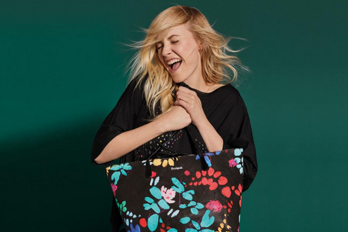 Get 30% off on everything at Desigual! Offer valid from 23rd to 25th November.